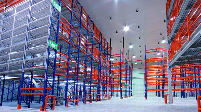 Customized warehouse shelving system