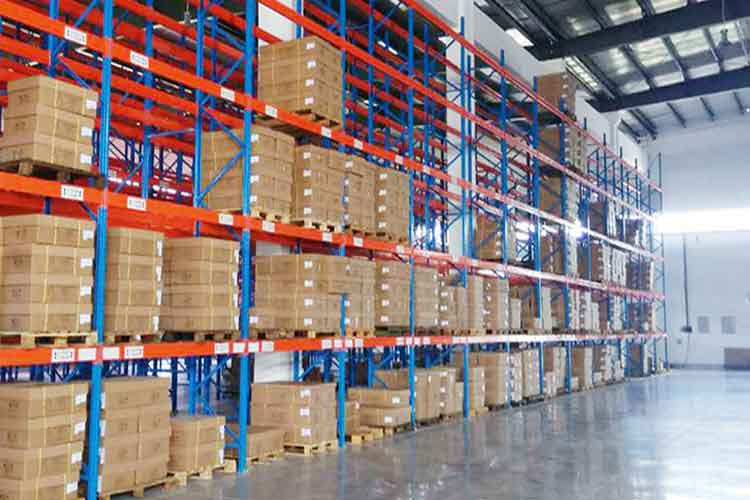 What kind of forklift truck is suitable for crossbeam rack