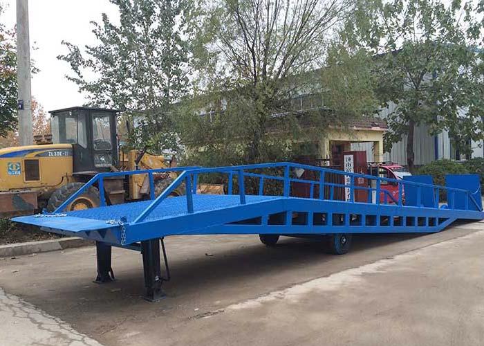 Adjustable warehouse mobile dock ramp for sale