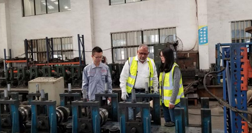 Pakistan client paid a visit to Aceally china pallet rack factory