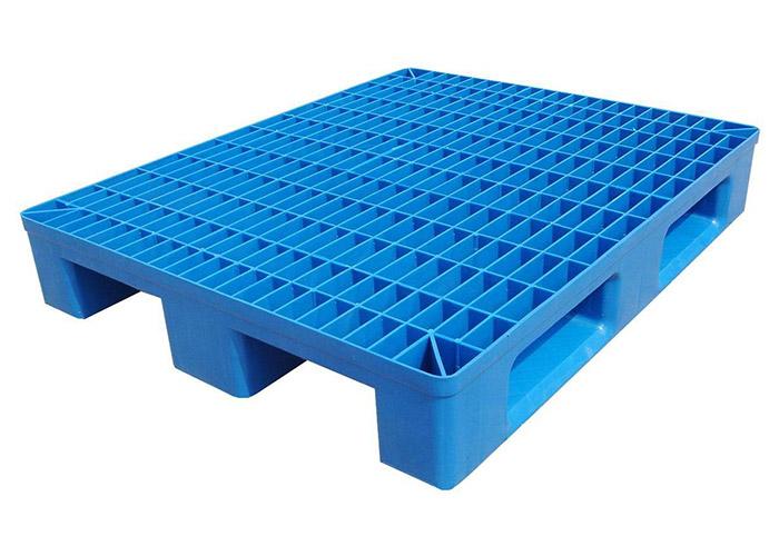Durable plastic pallet for sale