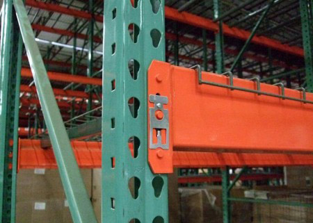 Pallet racking manufacturer heavy duty teardrop racking