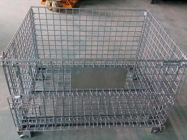 Welded mesh container