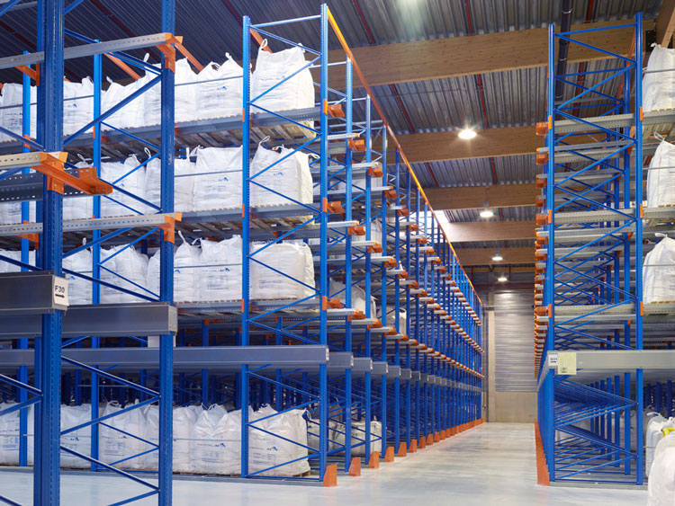 Advantages of drive in pallet racks used in cold storage by warehouse racking manufacturers