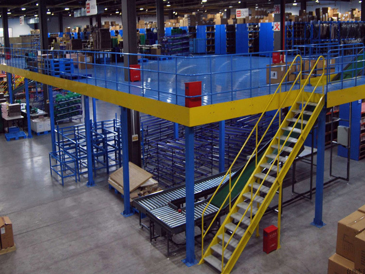 How does the mezzanine floor effectively improve the utilization rate of the rack warehouse?