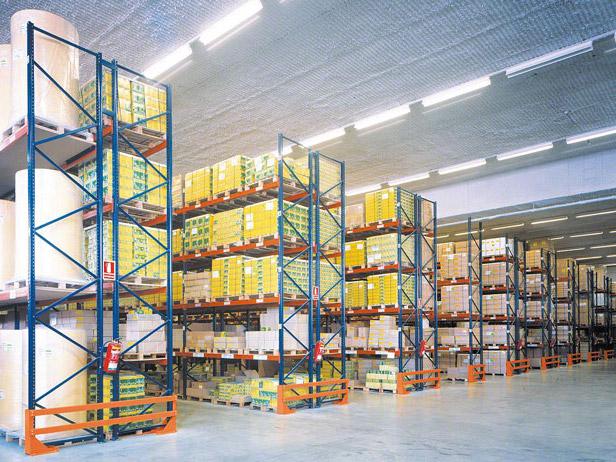 Tips on safe use of storage shelf racks to avoid accidents