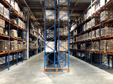 How to take moisture-proof measures to prevent warehouse storage steel rack oxidation