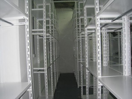 Difference between angle steel and storage shelving