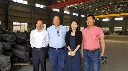 American Client Paid A Visit to Aceally Factory on May 11th, 2016