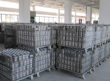 What factors can affect the quality of folding steel storage cage