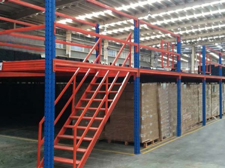 How to design warehouse shelves more safely
